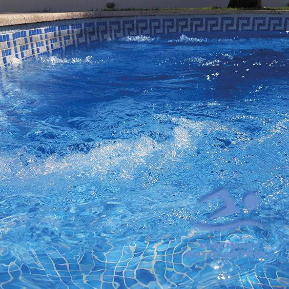 Alquiler de alojamiento con piscinas en verano for Casas de alquiler de verano con piscina